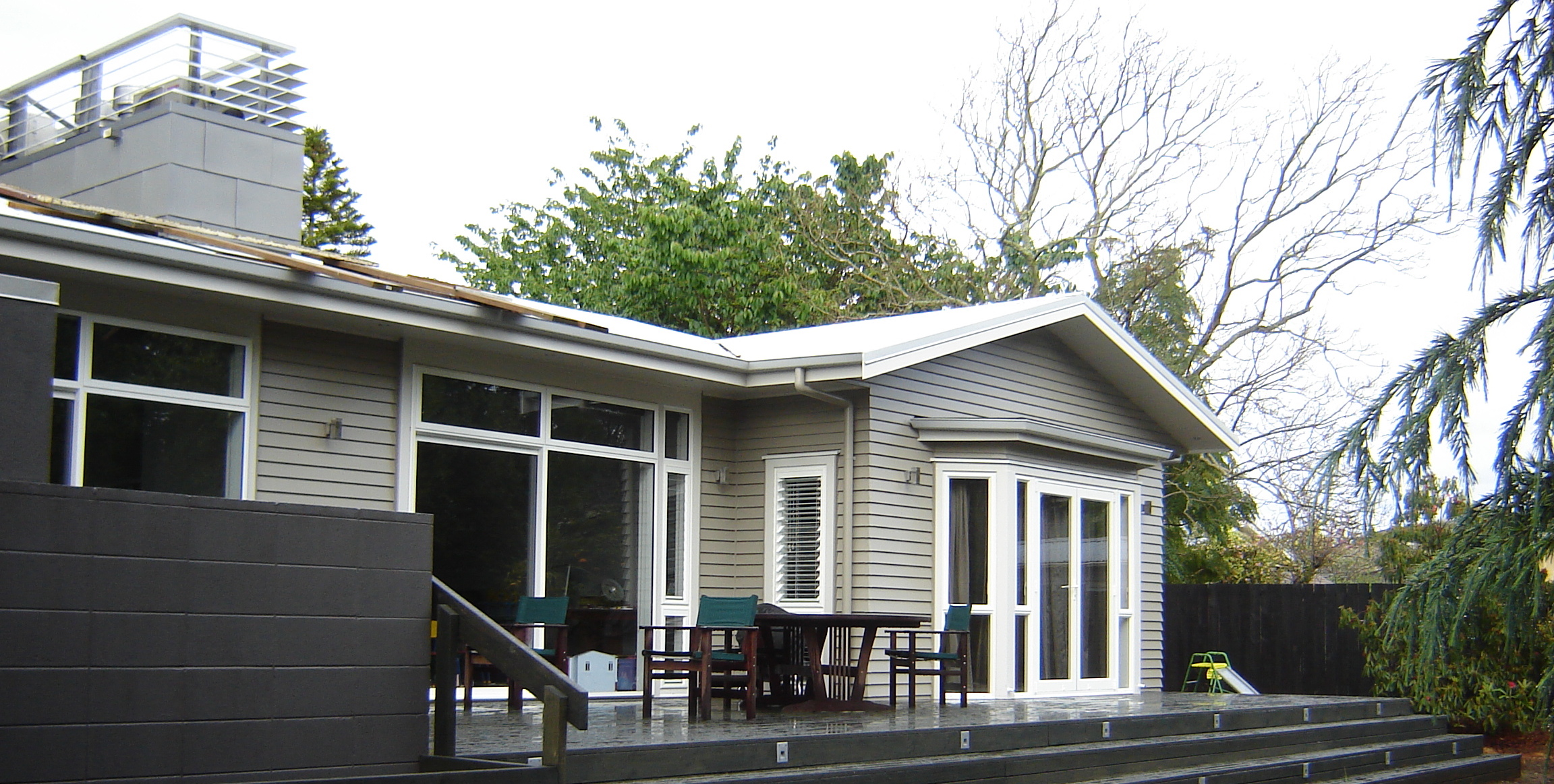 Epsom family home landscape
